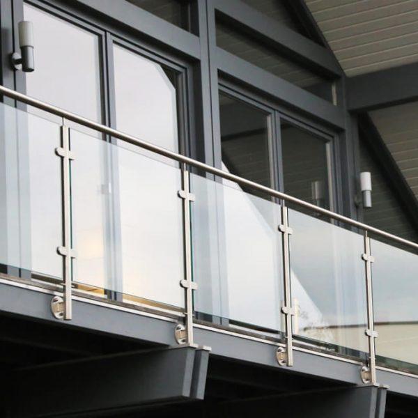 balkónové zábradlie sklo Bratislava Schody Zábradlie