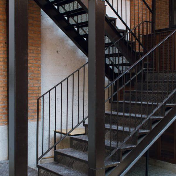 kovové schod exteriér do domu Schody Zábradlie