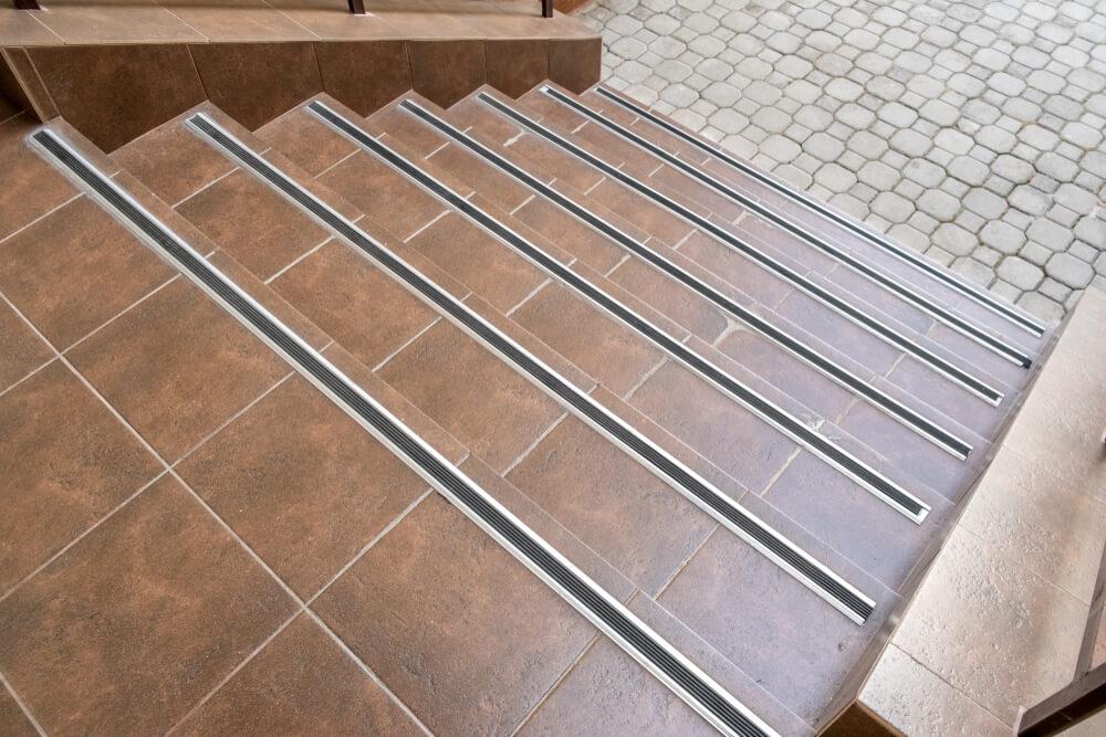 keramická dlažba na schody Bratislava Schody Zábradlie