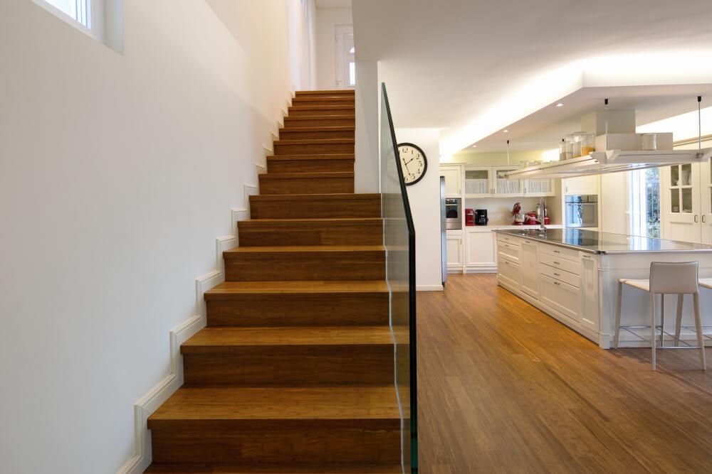 vnútorné schody do domu schody do interiéru Schody Zábradlie